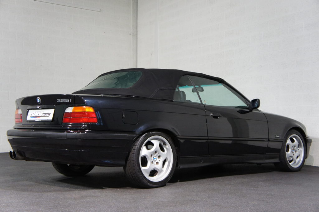 BMW E36 325i Cabriolet Automaat   BMW Specials Netherlands